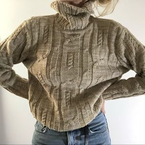 VINTAGE/ chunky cable knit turtleneck